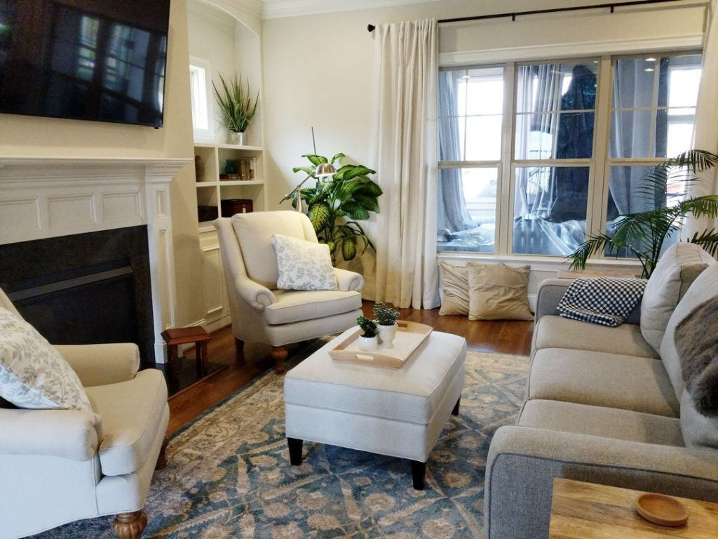 Family room - Call The Right Space at 919-230-4696 for your interior design needs in Cary, NC